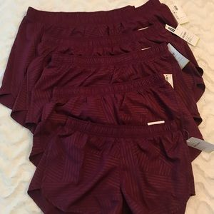 ⭐️🆕 Old Navy Active Go-Dry Run Shorts in Burgundy